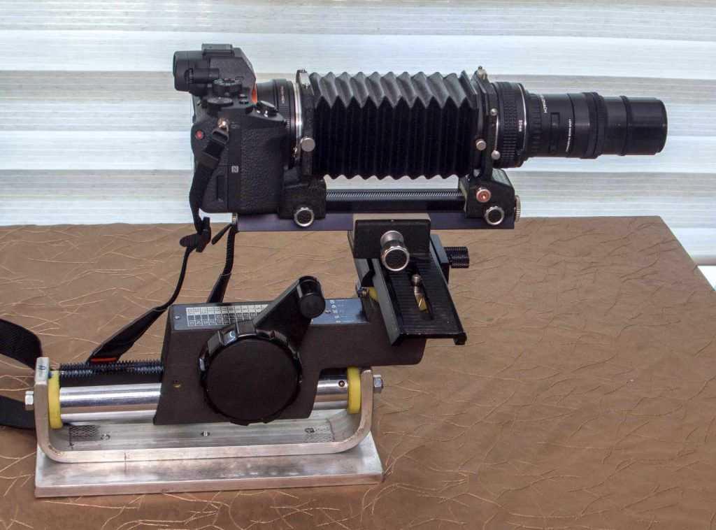 Gövde ve lens ile birlikte uzun makro ray