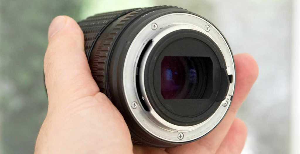 Pentax SMC-K 135mm f2.5 lensi iç yansıma azaltıcı çerçeve